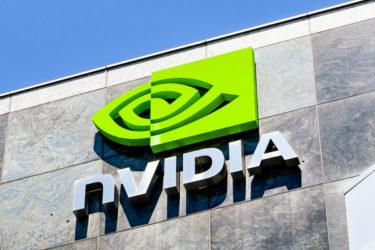 エヌビディア 1対4の株式分割を発表